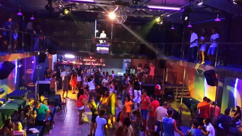 Ночные клубы в центре симферополя видео благовещенск ночной клуб